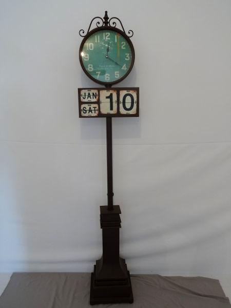 Antica soffitta orologio da stazione calendario colonna for Orologio da stazione