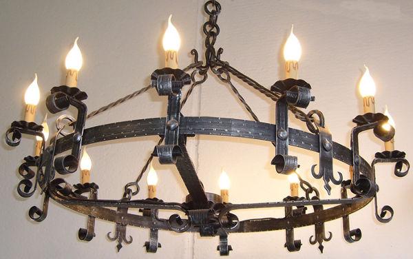 Lampadario Antico Ferro Battuto : Lampadario in ferro battuto happycinzia