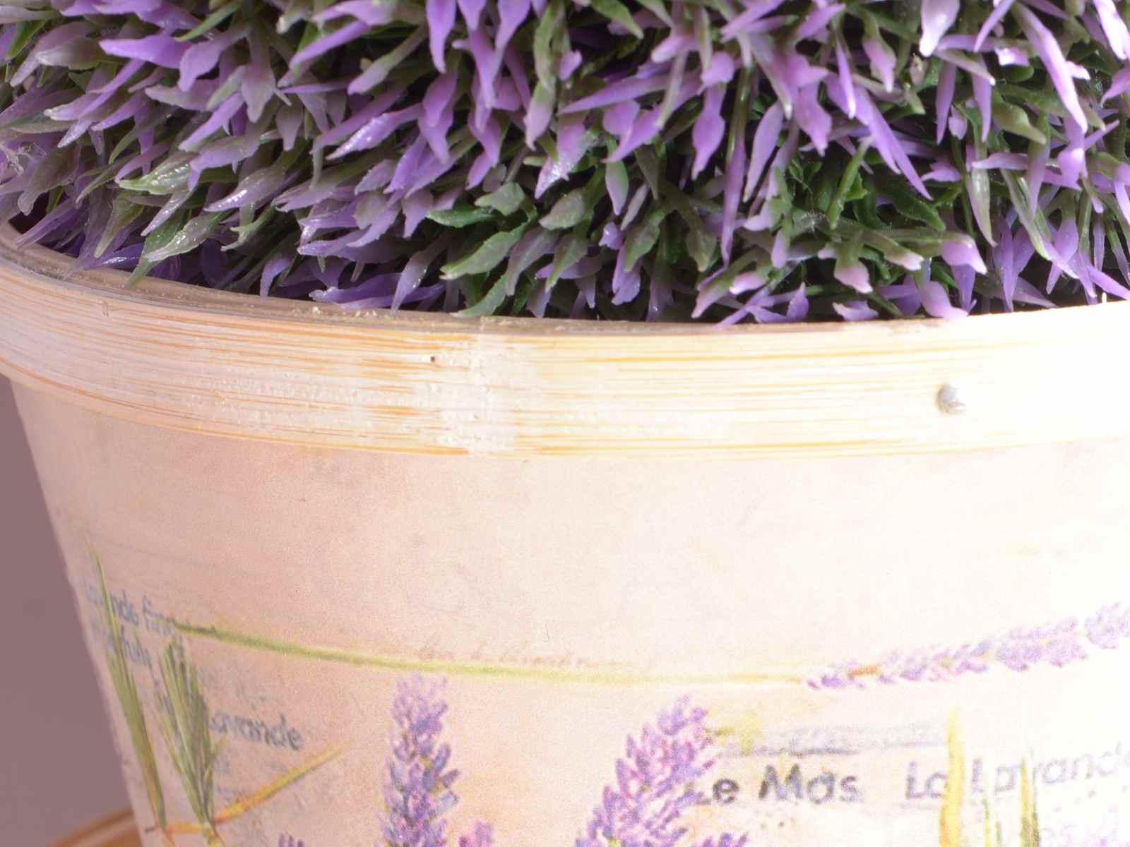 Giardino lavanda e lanterne per esterni da giardino for Esterni per giardino