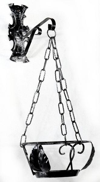 Antica Soffitta: Portavasi da parete con catenella in ferro