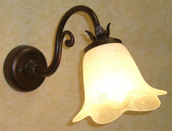 ... Soffitta: Applique relax ruggine lampada da parete muro ferro battuto